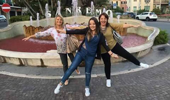 Simona Fusco (al centro)
